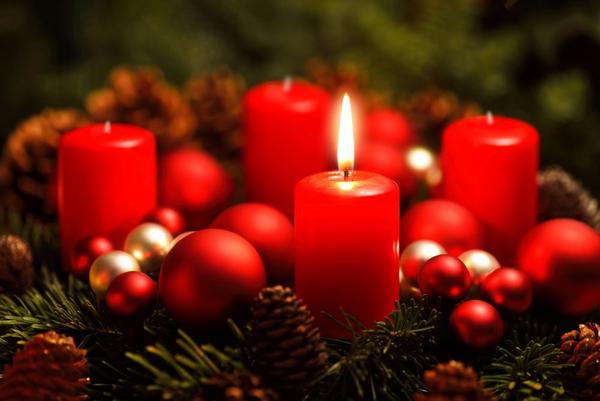 advent  1  lys  shutterstock 229029793